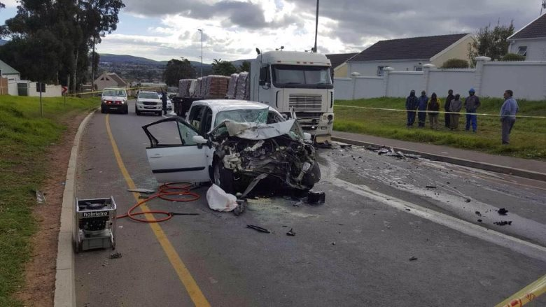 DURBANVILLE MOTHER AND SON KILLED IN A HEAD-ON COLLISION EARLIER THURSDAY AFTERNOON